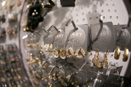 Серьги разных форм в магазине Lady Collection
