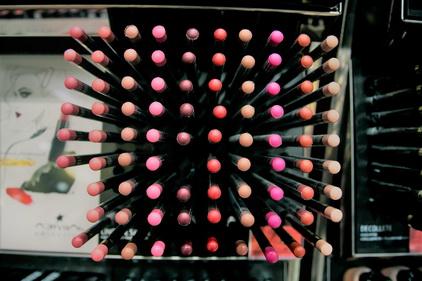 Карандаши для губ в магазине Л'этуаль