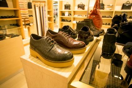 Обувь в магазине Chester
