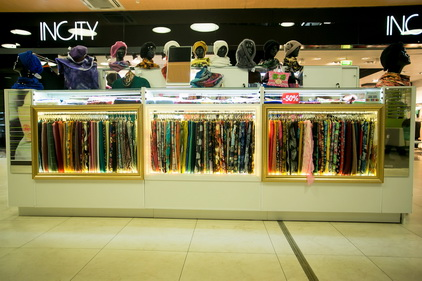 Вид магазина Русские коллекции в ТК Электра в Санкт-Петербурге
