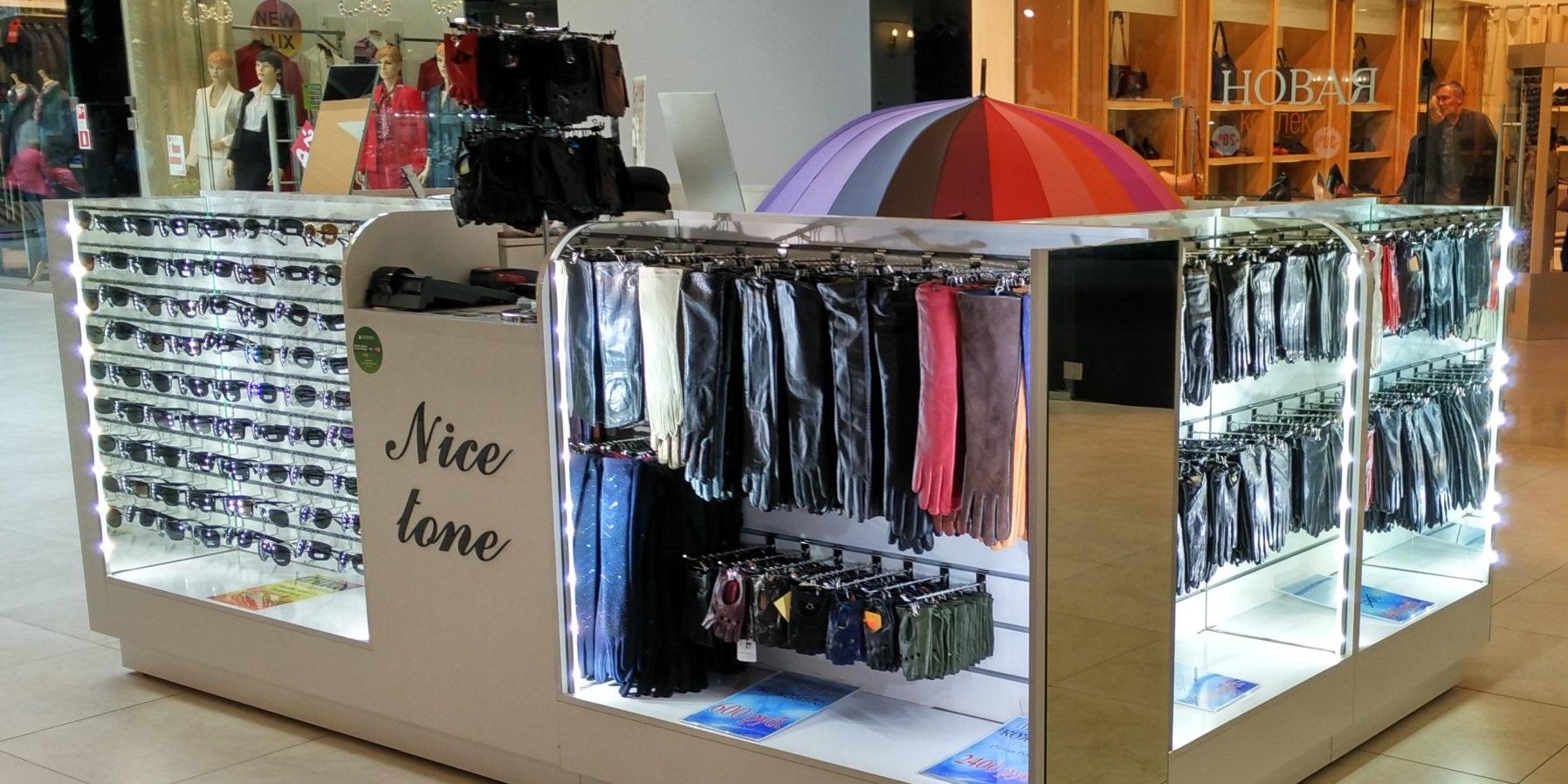 Перчатки и очки в магазине Nice tone