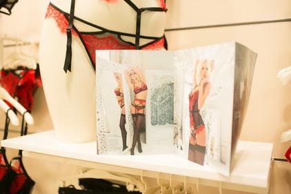 Комплекты нижнего женского белья магазине Incanto расположенном ТК Электра в Санкт-Петербурге