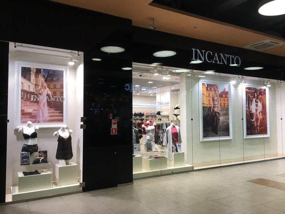 Витраж магазина Incanto в ТК Электра в Санкт-Петербурге